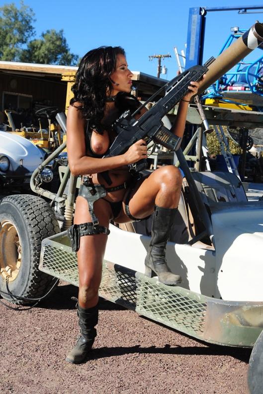 Hot_Sexy_Girls_Guns_Nude_17