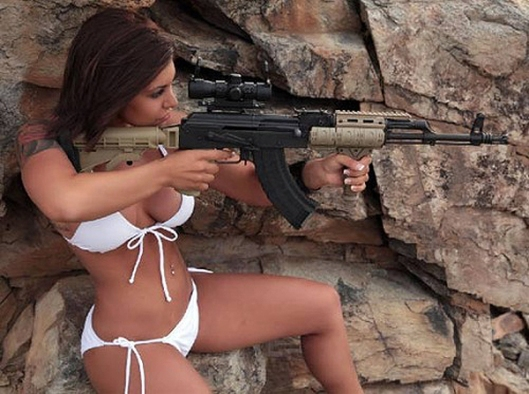 Hot_Sexy_Girls_Guns_Nude_18