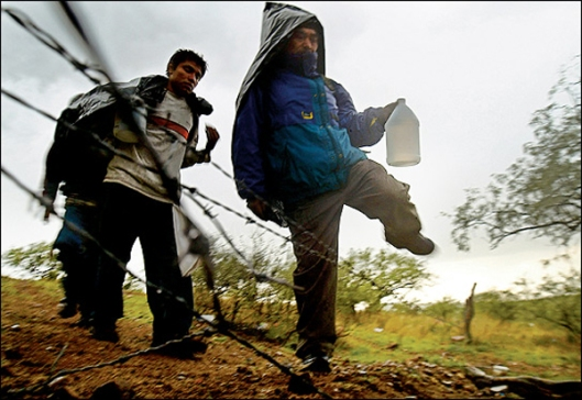 Illegals Crossing US-Mexico Border Fence